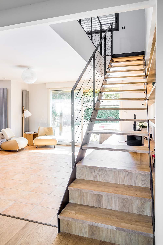 Escalier avec bibliothèque intégrée | Intemporel 4 | Atmos fer ...