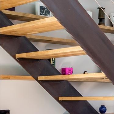 Escalier métal double limon sur mesure. L'escalier qui allie tradition et modernité dans sa conception