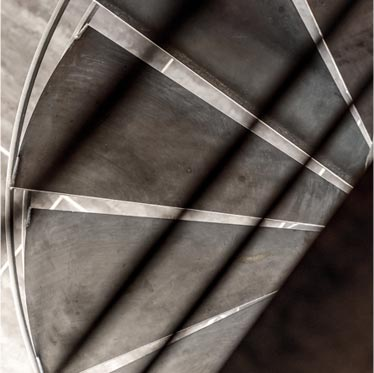 Escalier métal colimaçon, L'escalier le plus adapté aux espaces exigus, Toulouse, Atmos-fer