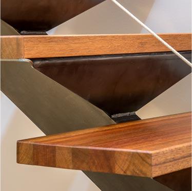 Escalier métal et bois sur mesure, 1/4 tournant, 2/4 tournant, colimaçon, limon central, double limon, plusieurs type de finition