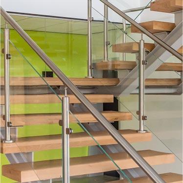 Escalier métal 2/4 tournant, le spécialiste du gain de place, Toulouse, Atmos-fer