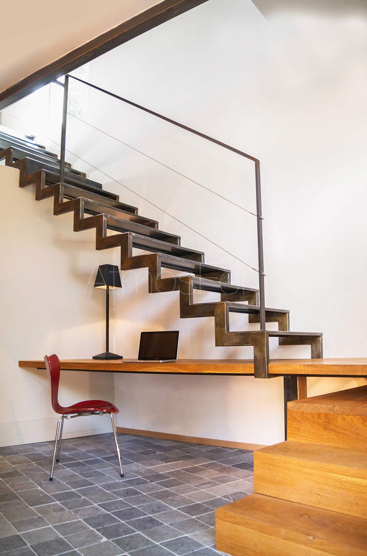 escalier avec bureau m tal et bois graphique 1 atmos fer toulouse. Black Bedroom Furniture Sets. Home Design Ideas