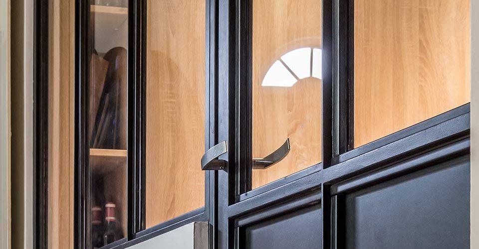 Verrière à parcloses actuelles une verrière sans vis apparentes, les vitrages sont maintenus par des par-closes clipsées. version simplifiée de la traditionnelle.Toulouse Atmos-Fer