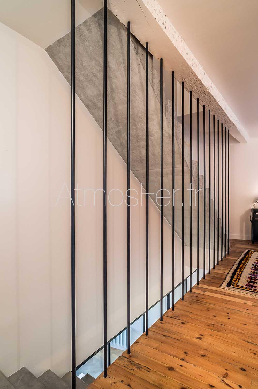 garde corps tubes m talliques verticaux atmosfer. Black Bedroom Furniture Sets. Home Design Ideas