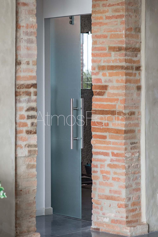 Porte de sdb verre sabl et inox toulouse ferronnerie for Porte en fer et verre