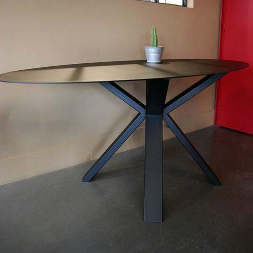 Table-Ovale métal sur-mesure AtmosFER Toulouse