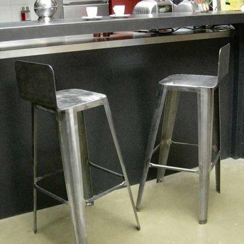 tabourets-design-métal-brut-list